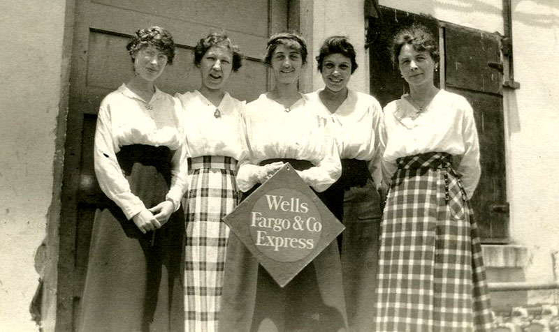 WellsFargo employed more than 35,000 women and men in its express business in 1918. Photo Credit: WellsFargo Corporate Archives
